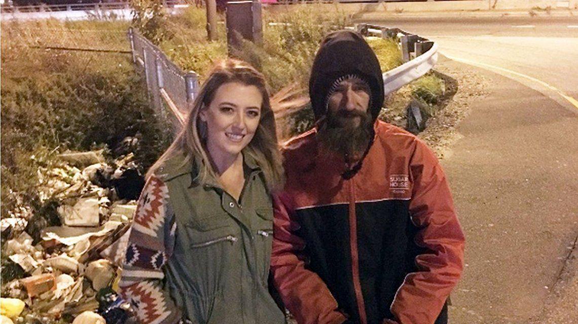 Un indigente le dio sus últimos 20 dólares para una emergencia y ella le cambió la vida