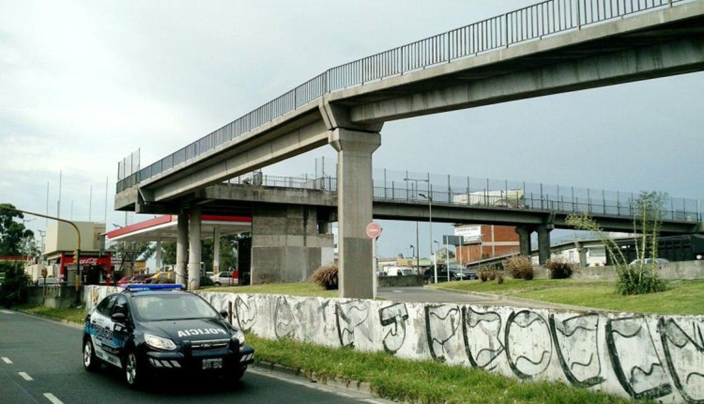 El puente de General Paz y Humaitá desde donde tiraron a Nieves Lizarazu Cabrera.