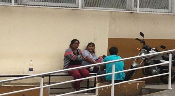 Los familiares en Argentina de la joven, se acercaron al Hospital Santojanni cuando fue atacada en 2016.