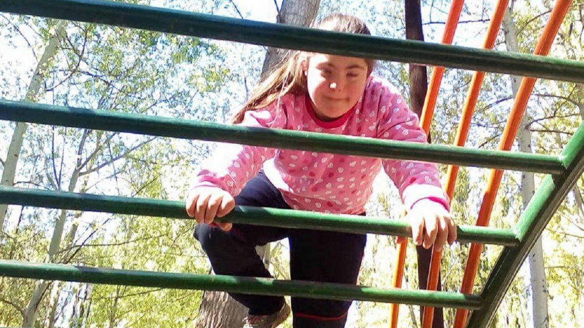 Le negaron la comunión a una nena con síndrome de Down porque se equivocó en el Padre Nuestro