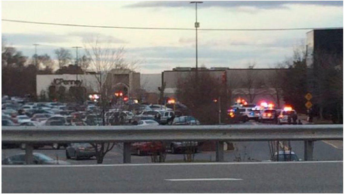 Tiroteo en un shopping de Nueva York: hay al menos dos heridos