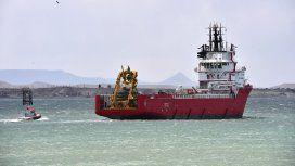 El Sophie Siem comienza a dejar atrás el puerto de Comodoro para  dirigirse a la zona marítima patagónica donde se busca al ARA San Juan.