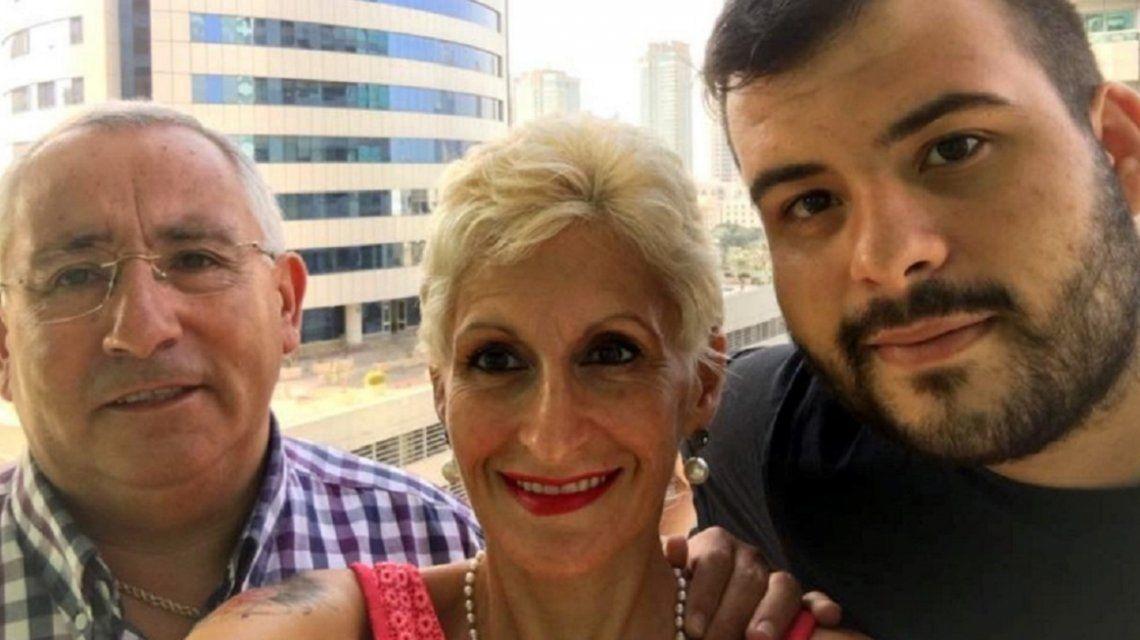 Vicente Maillo junto a su esposa y uno de sus hijastros