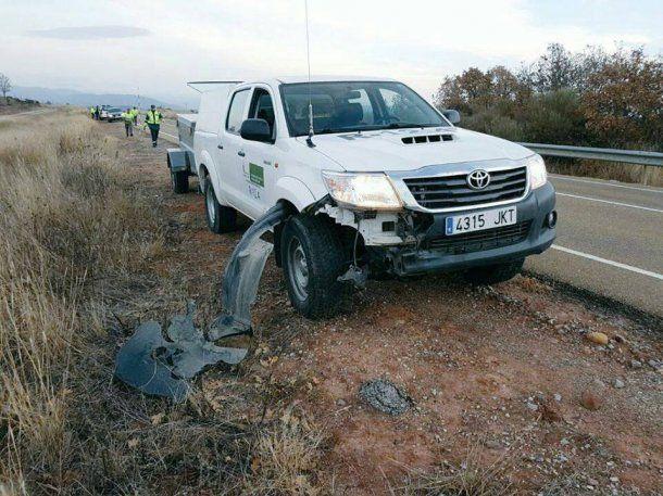 Así quedó el auto que atropelló al animal