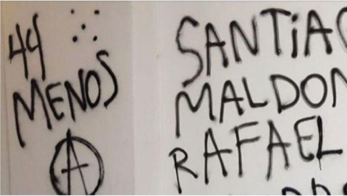 Las pintadas llevaban la firma de anarquistas