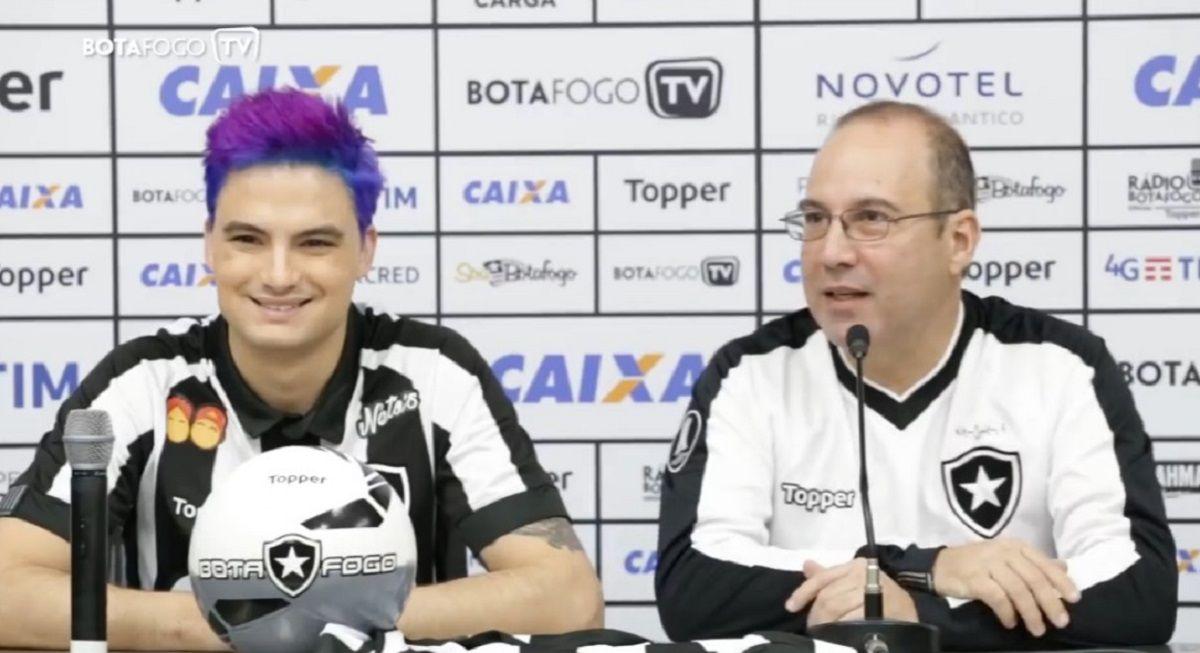 La presentación del youtuber como sponsor del club brasileño