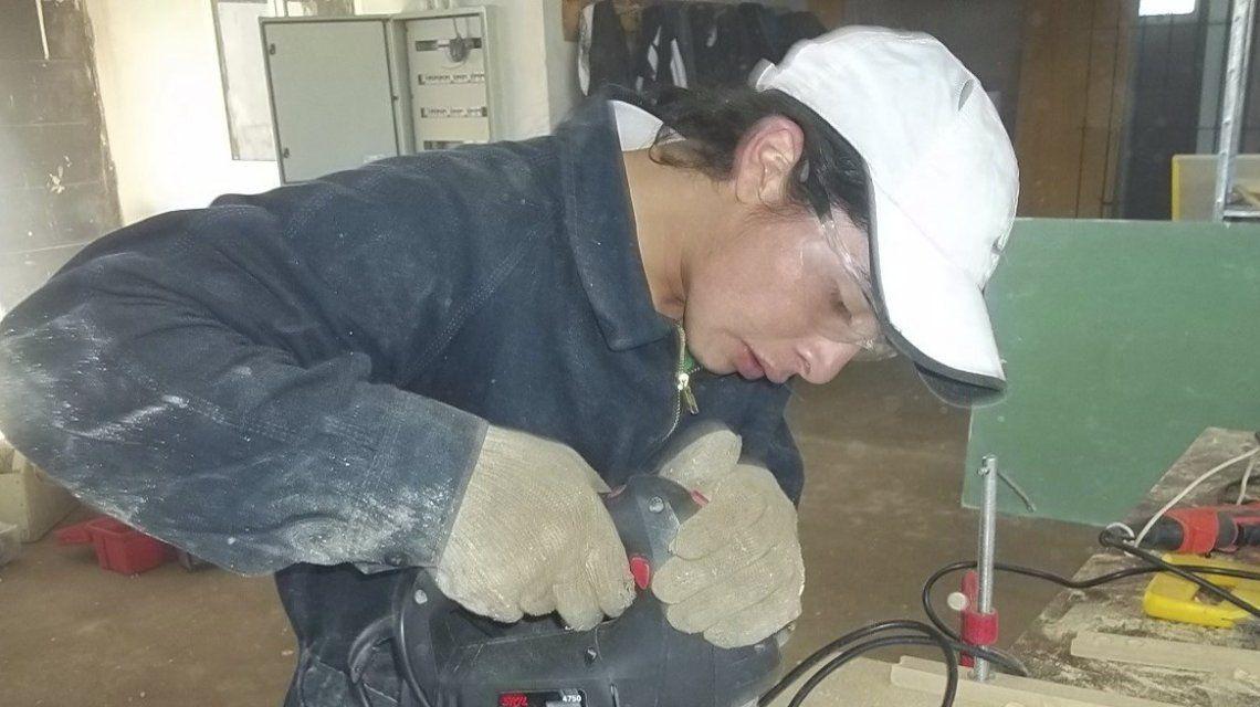 Rafael Nahuel trabajando