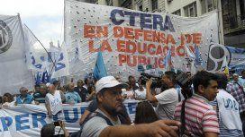 La Ctera anunció un paro en repudio a la represión de docentes en Chubut
