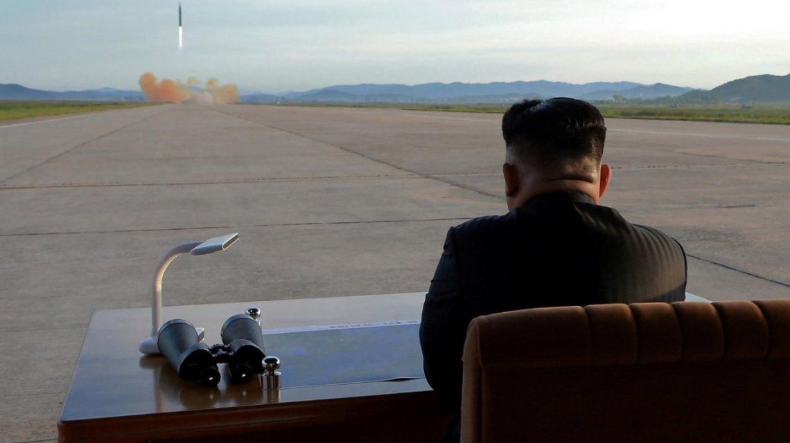 Kim Jong-un inspecciona una nueva bomba de hidrógeno de Corea del Norte