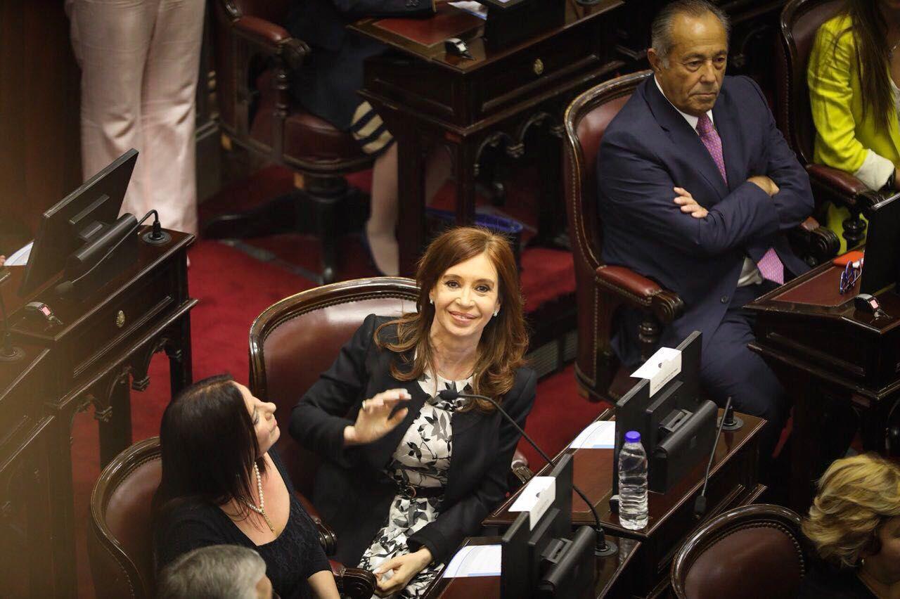 Se fracturó el FpV en el Senado: peronistas se separan de Cristina Kirchner