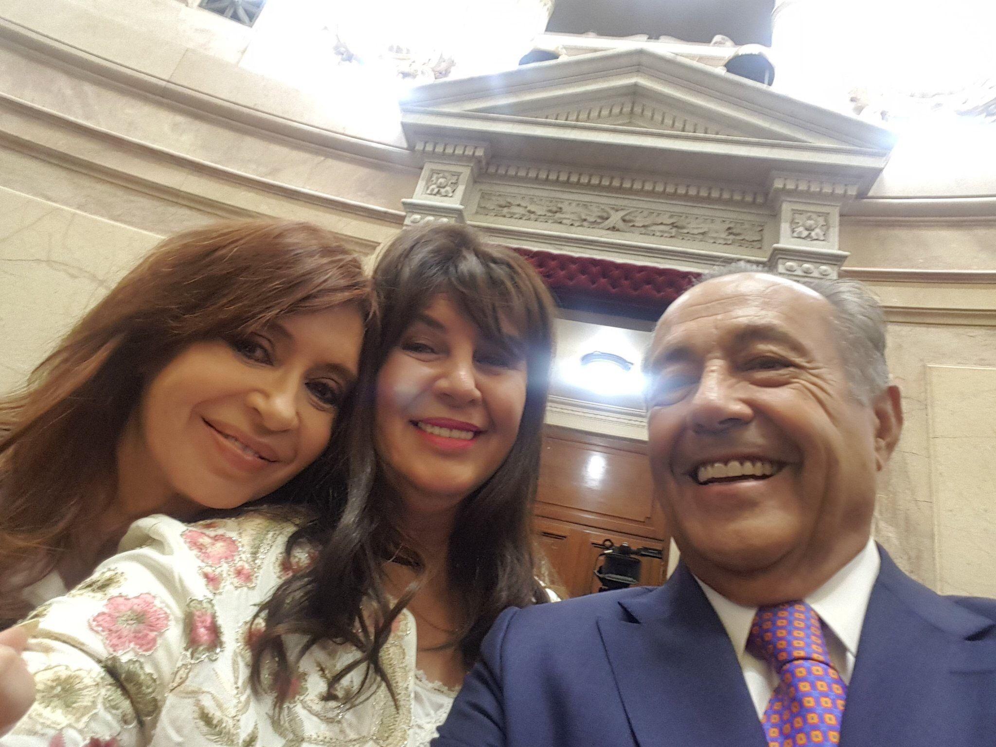 Cristina feliz, ovación a Menem y las caras de Pichetto: las perlitas del Senado