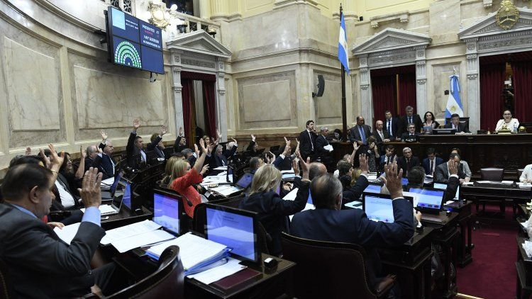 El paquete fiscal se aprobó con el aval de los senadores alineados con los gobernadores