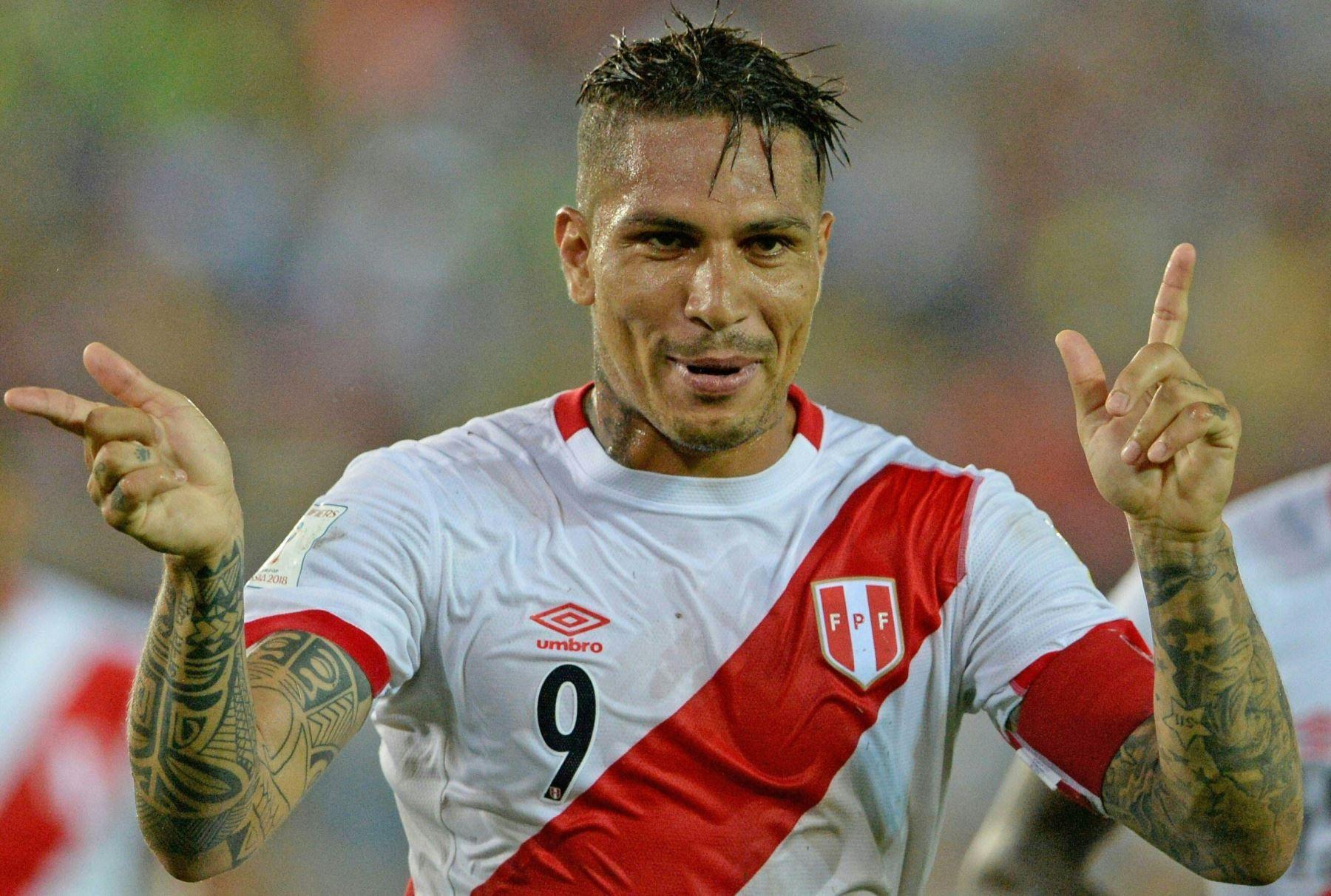 Paolo Guerrero festeja: estará en el Mundial.