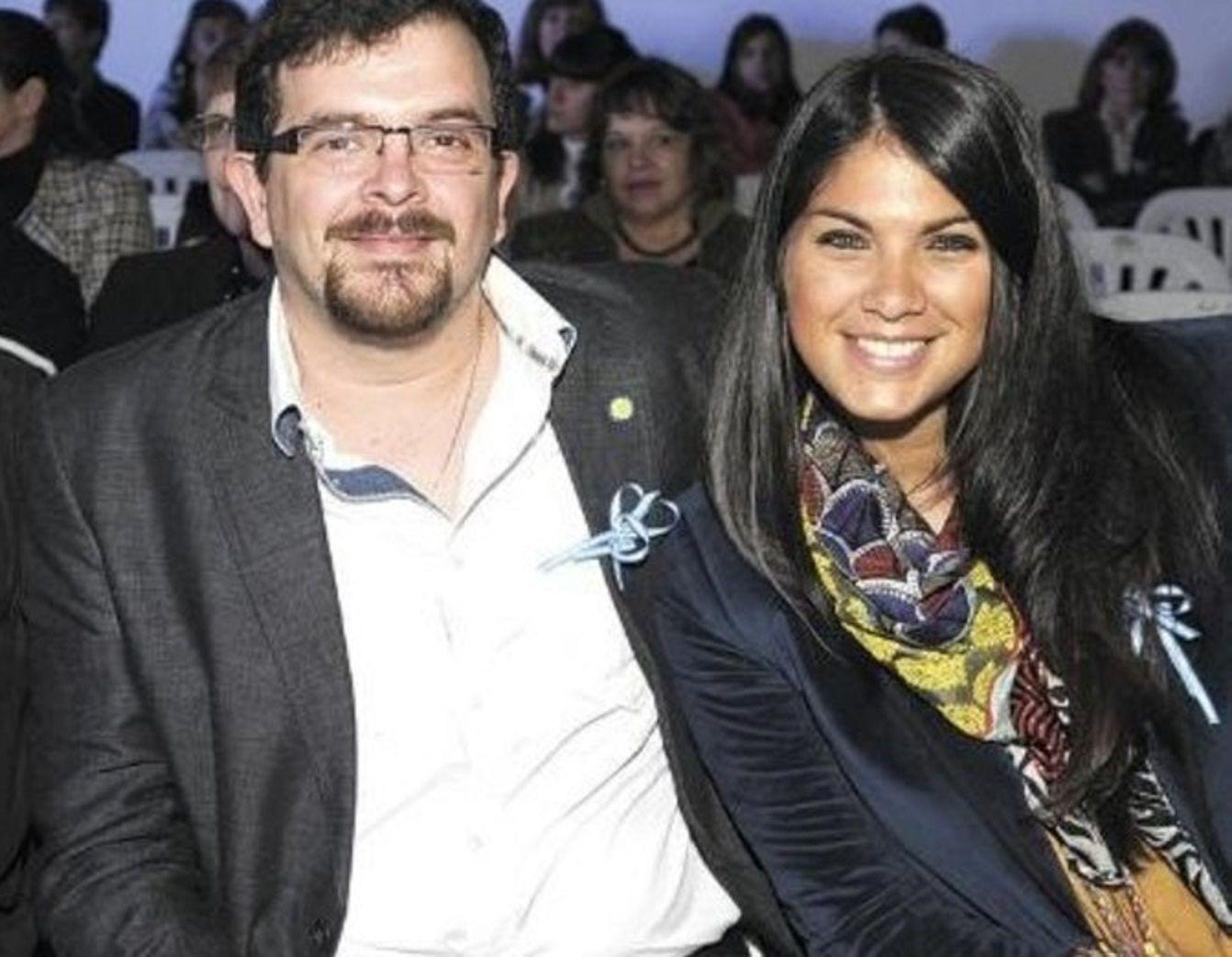 Rocío Santa Cruz con su esposo.
