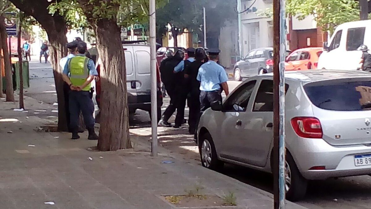 Al menos tres personas sufrieron heridas de bala