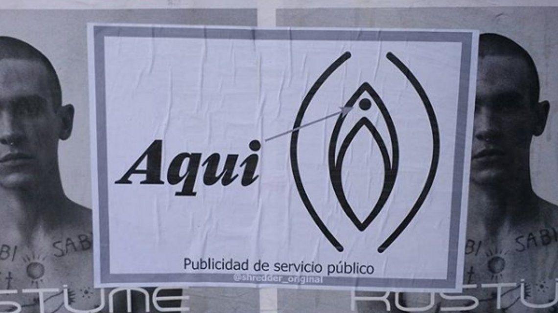 ¿Qué es el extraño cartel que invadió las calles de la Ciudad?
