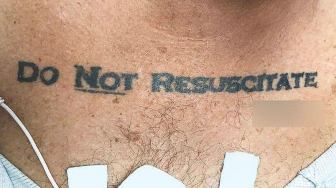 Miami: un hombre internado de urgencia tenía tatuado No resucitar