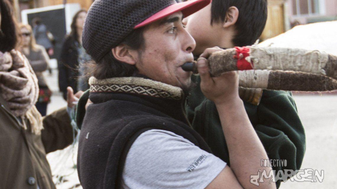 Rafael Nahuel en una manifestación el jueves 23 de noviembre en Bariloche. Foto: Eugenia Neme