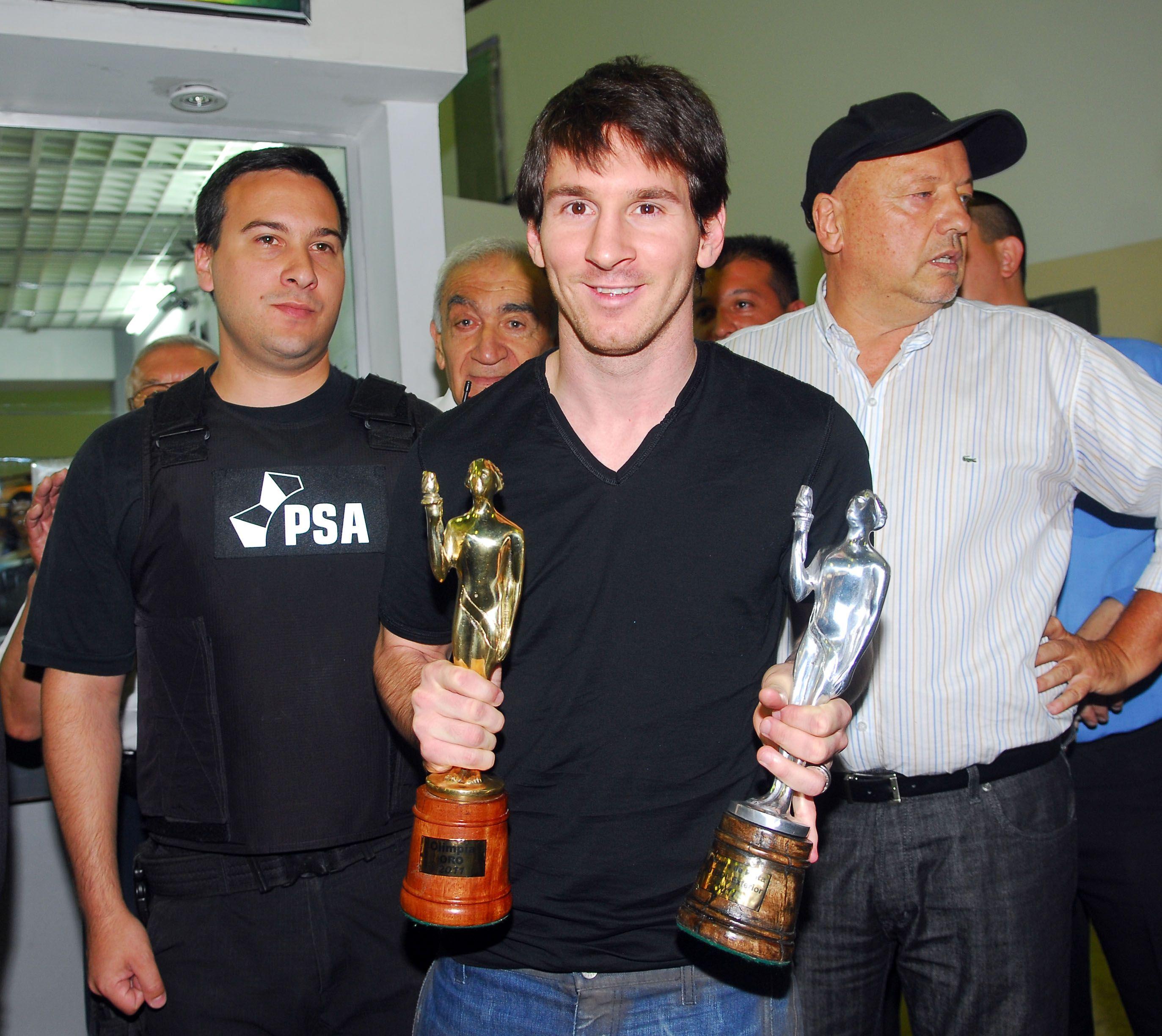 Lionel Messi con los Olimpia de Plata y Oro 2011