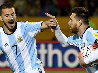 Messi y Benedetto fueron titulares en el partido clave frente a Ecuador