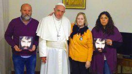 Francisco recibió a la madre, el hermano y la cuñada de Santiago Maldonado