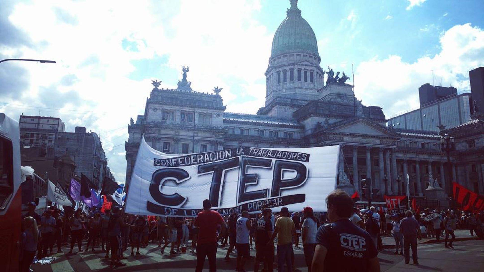 Gremios y movimientos sociales contra las reformas del Gobierno: el tránsito fue un caos