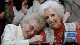Rosa Roisinblit y Estela de Carlotto, vicepresidenta y presidenta (respectivamente) de Abuelas.