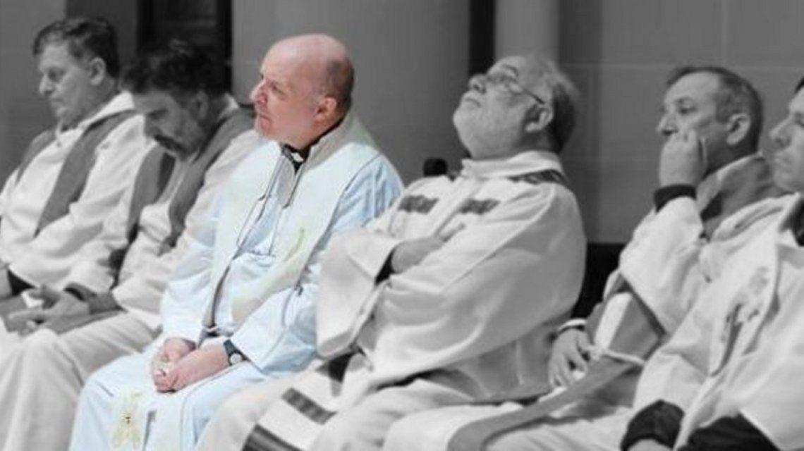 Catequistas denuncian a cura por abuso (Diario Uno).