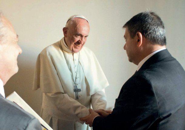 Guillermo Whpei y el Papa Francisco