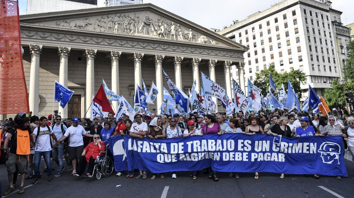 Marcha de la resistencia: diferentes organizaciones se movilizaron a Plaza de Mayo