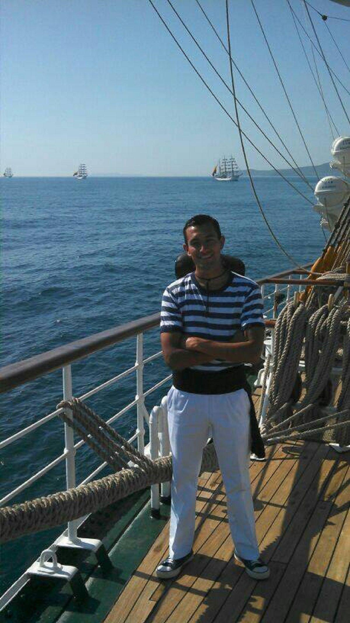 Luis Niz en el mar