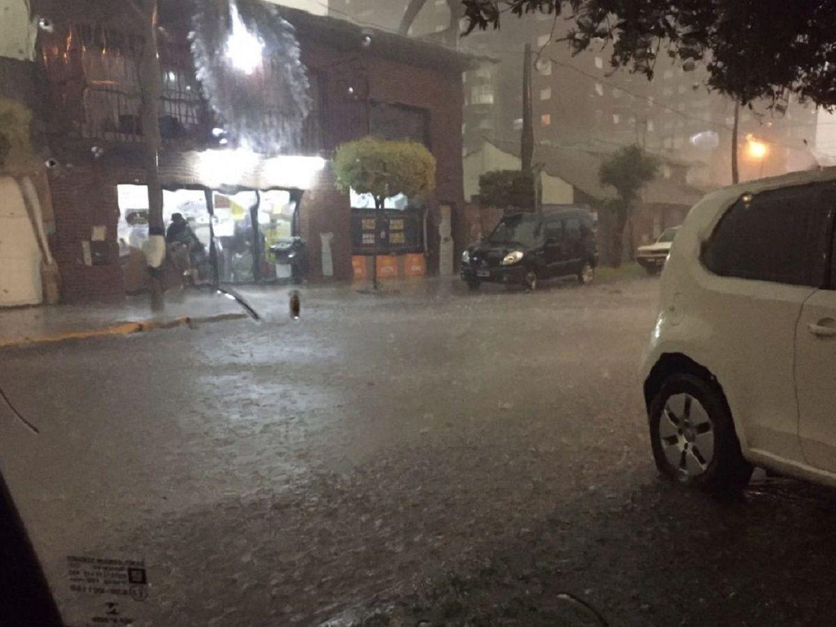 Un fuerte temporal azotó a Mar del Plata en pleno fin de semana largo