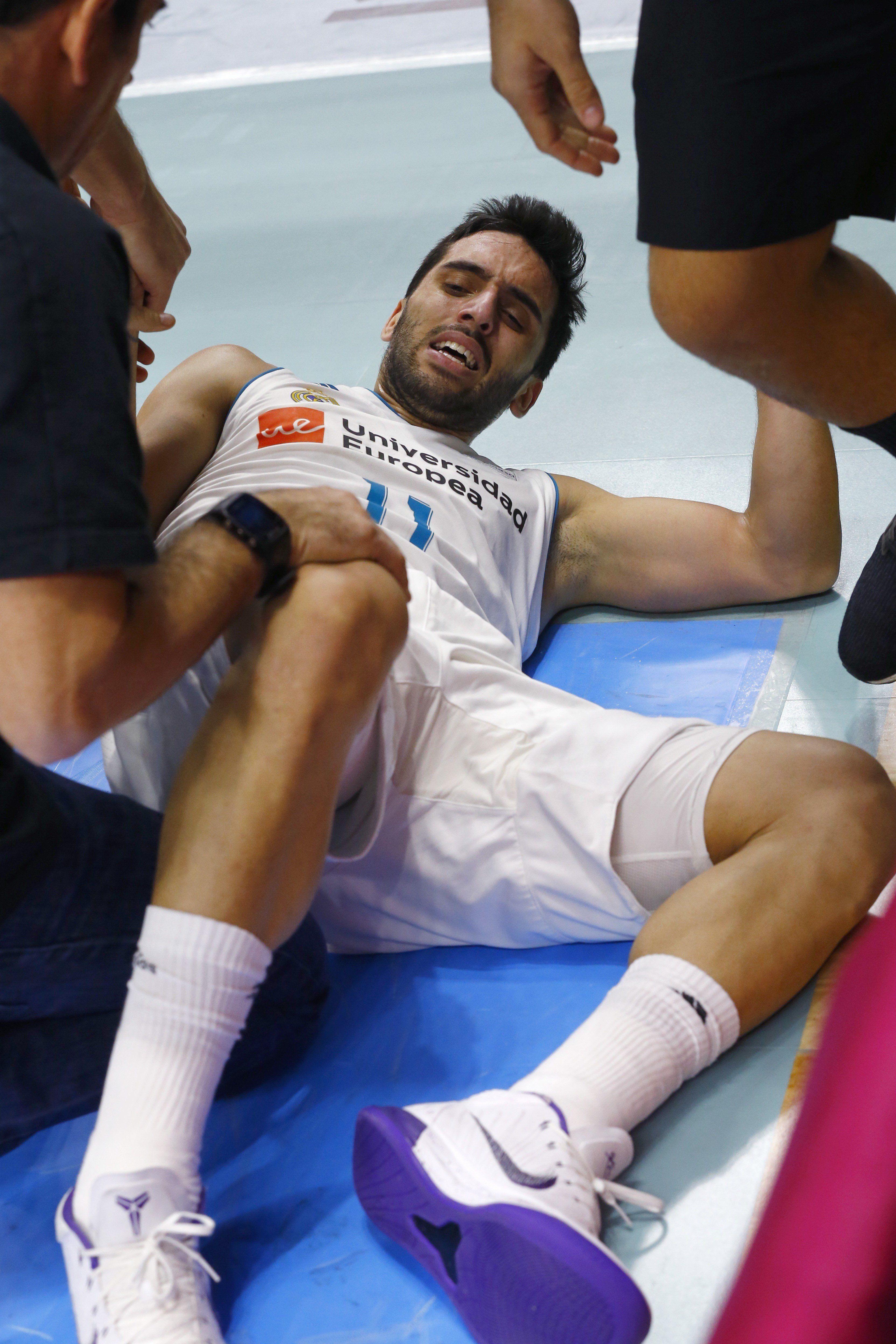 El argentino sufre de dolor en el piso