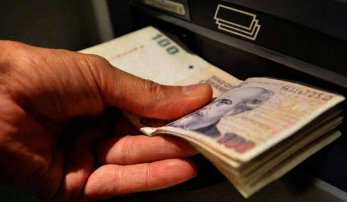 Adelantan el pago del aguinaldo y el bono de fin de año para los estatales