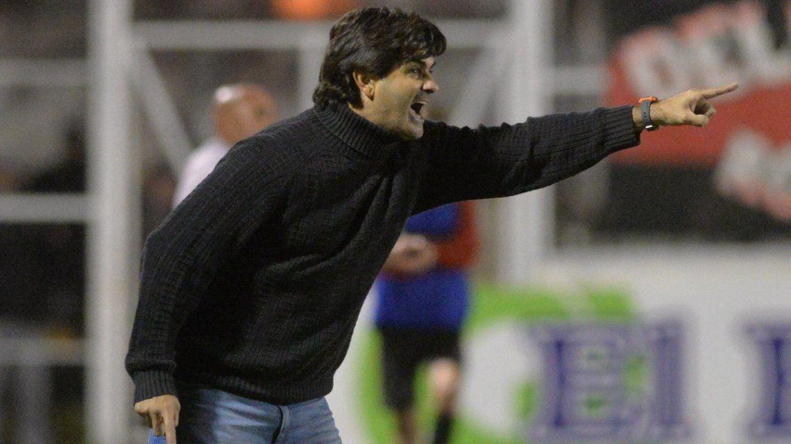 Se fue Forestello de Olimpo y más de la mitad de los equipos cambiaron de DT durante la Superliga