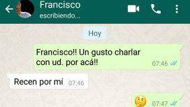El Vaticano aclaró que el Papa Francisco no usa WhatsApp