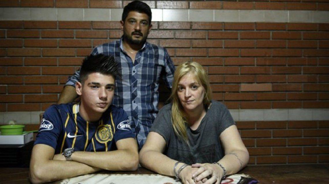 Rosario: le prohibieron participar del acto de graduación por su corte de pelo