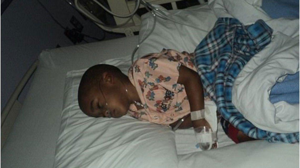 El niño fue sometido a 13 cirugías por la mentira de su madre