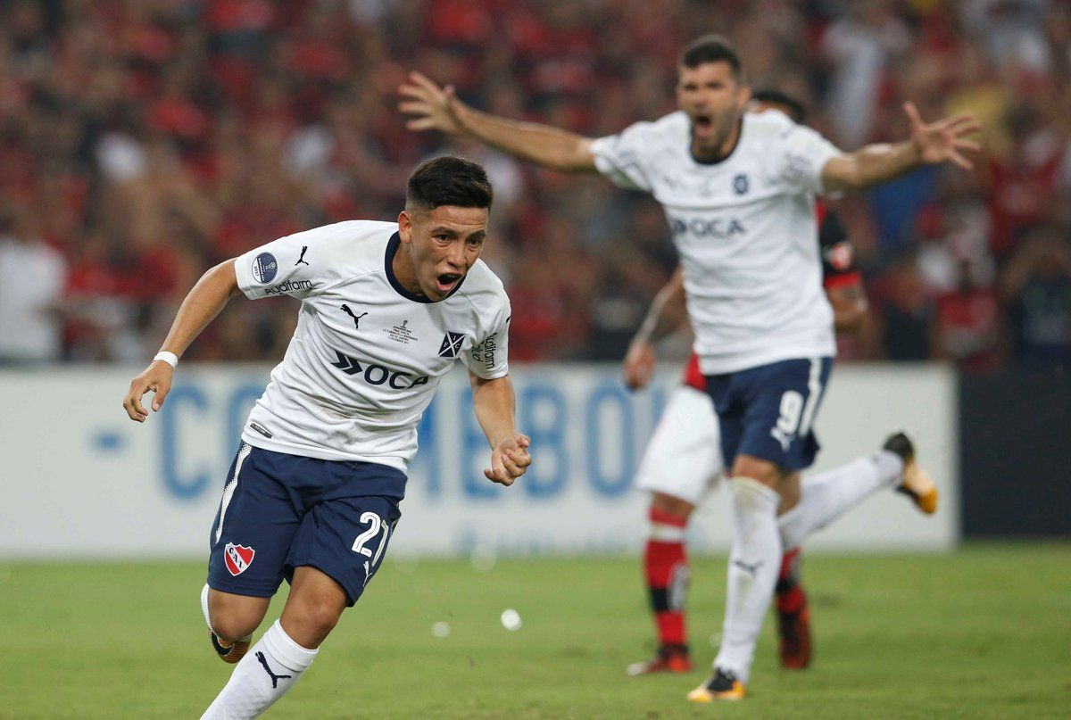 Ezequiel Barco grita su gol en el Maracaná