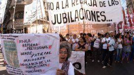 Otro día de caos en la Ciudad: comenzaron las protestas contra la reforma previsional