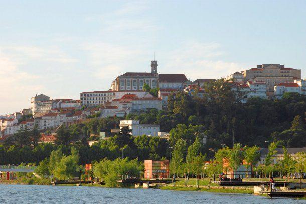 Una vista de Coímbra, una de las atracciones de Portugal