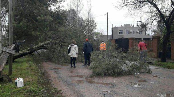 Por el fuerte temporal, murieron dos personas en Luján.