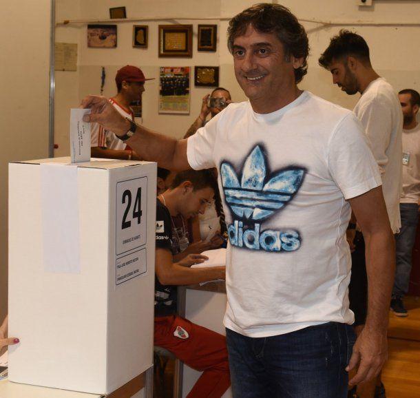Enzo Francescoli votó en las elecciones de River - Crédito: @CARPoficial<br>