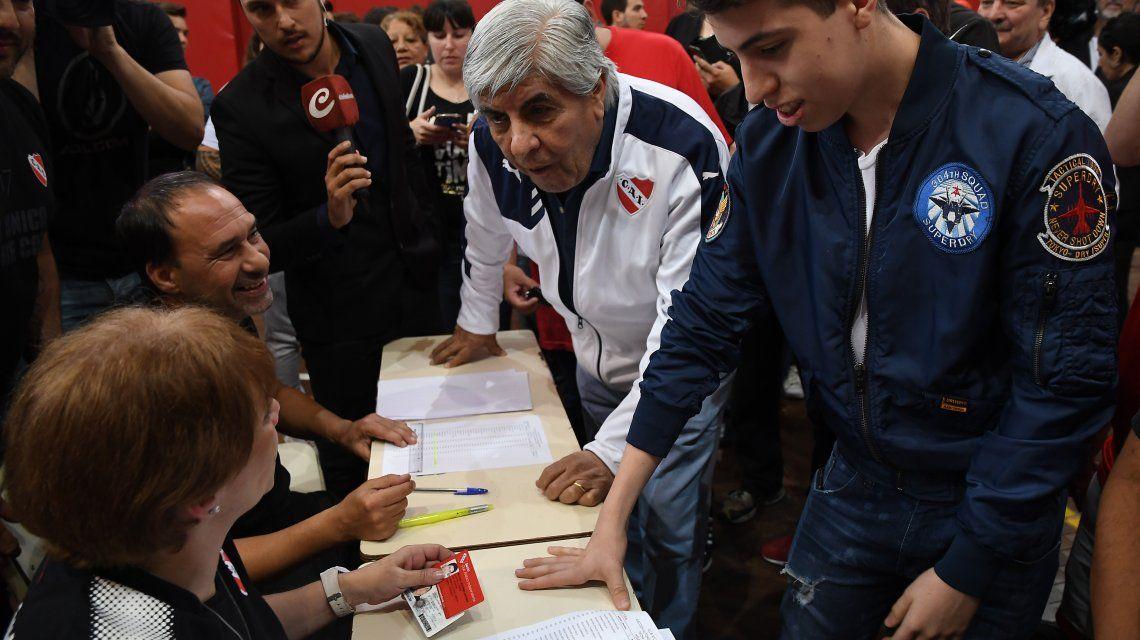 Moyano votó en Independiente