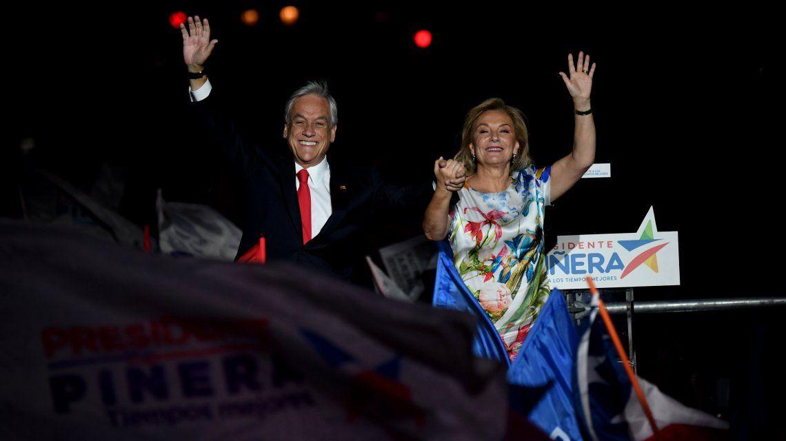 Sebastián Piñera celebra con Cecila Morel la futura primera dama