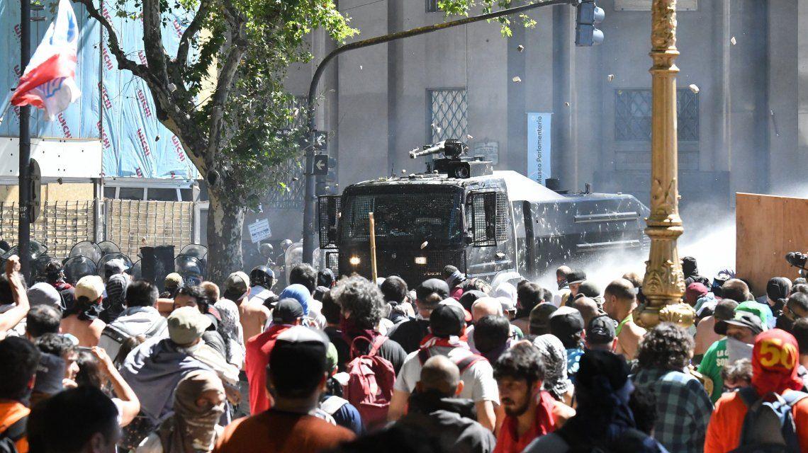 Los incidentes en el Congreso dejaron 88 policías y 50 civiles heridos