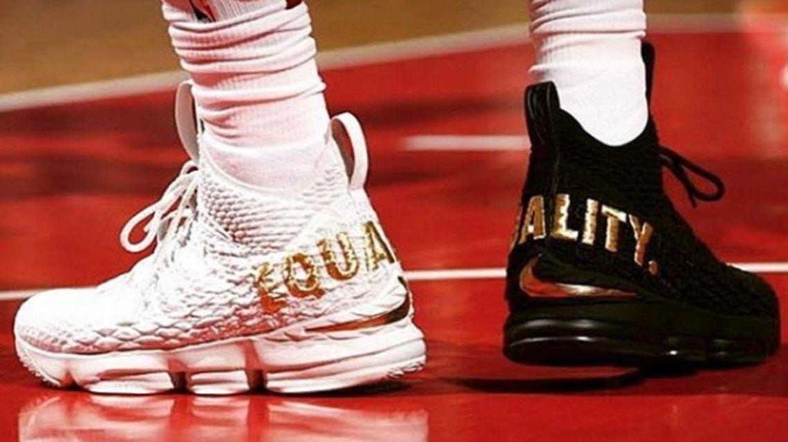 El particular calzado de la estrella de Cleveland