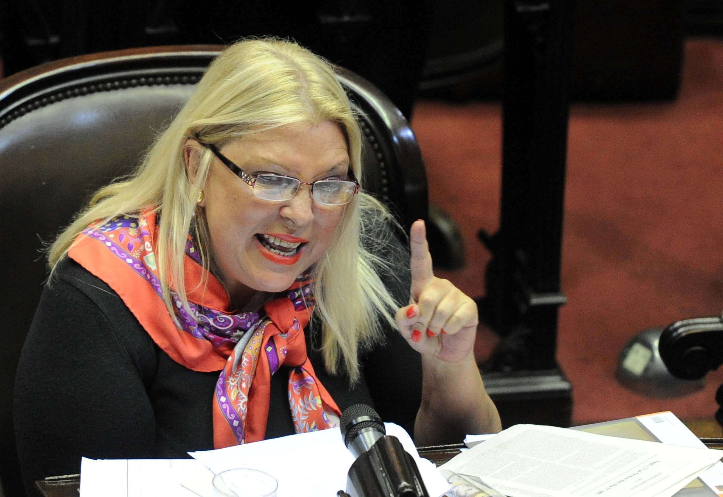 A diferencia de Macri, Carrió pidió no debatir la despenalización del aborto