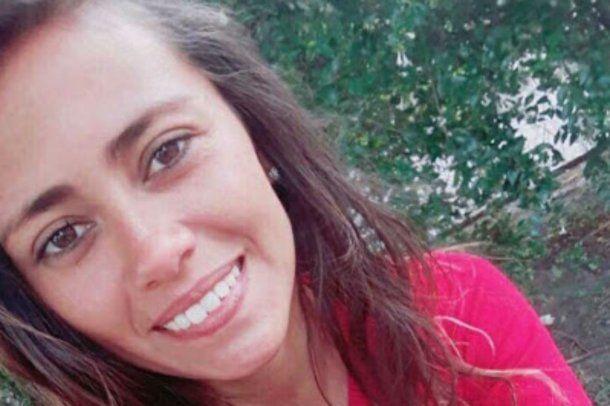 <p>Lanús: una mujer policía murió atropellada por un auto que evadió un control </p>