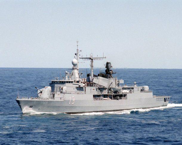 <p>Destructor ARA Sarandí, a cargo de la búsqueda del submarino</p>